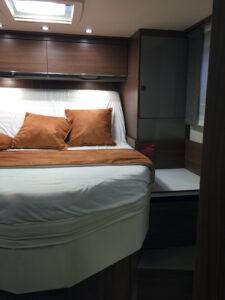 Bürstner Ixeo T734 Schlafzimmer