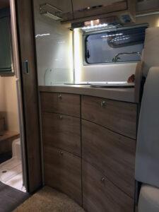 Euramobil Profila RS725 QB Küche