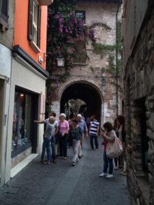 Touristen in Sirmione