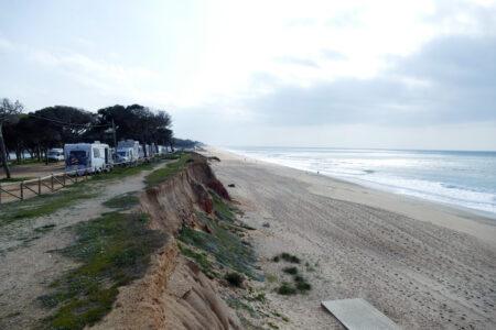 Stellplatz an der Steilküste von Quarteira