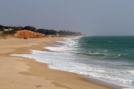 Steilküste bei Quarteira